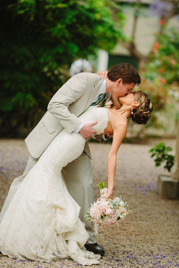wedding-photo-pose-ideas-for-your-inspiration
