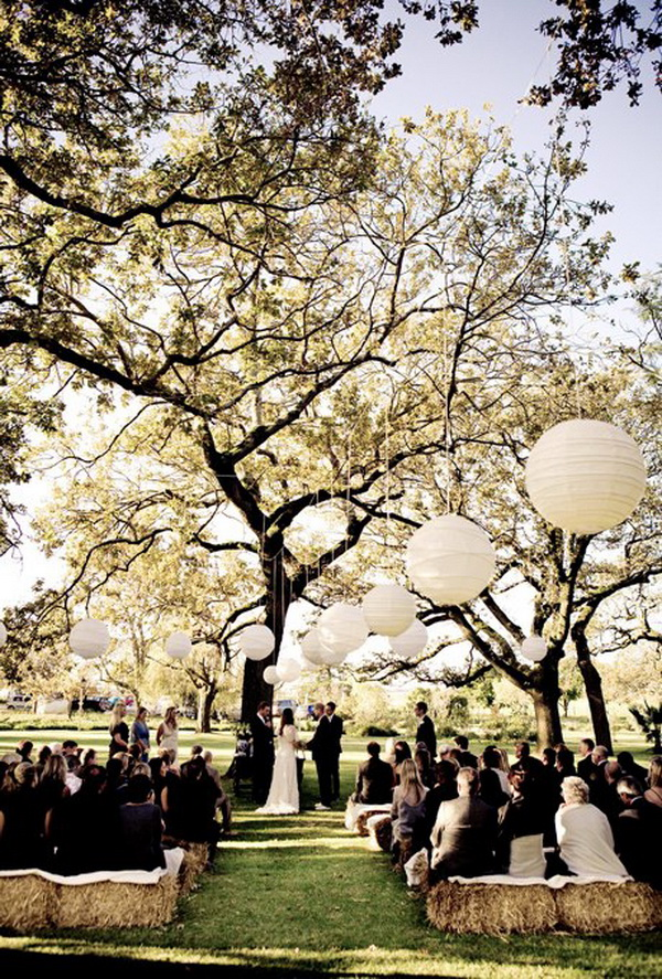 beautiful-wedding-ceremony-decor-with-white-paper-lanterns