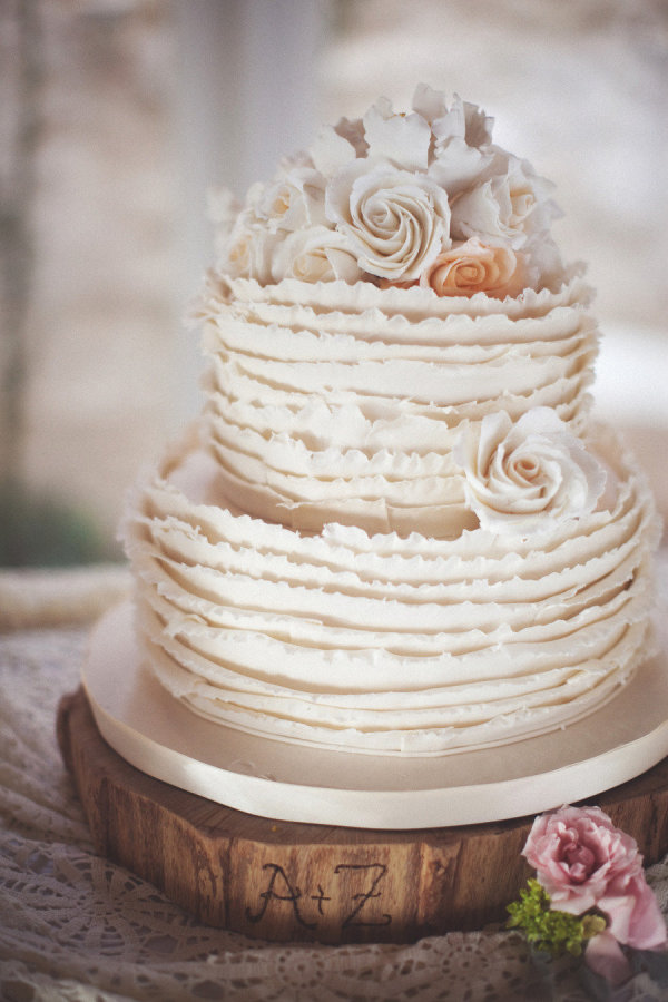 light-shade-of-beige-ruffled-weddig-cake
