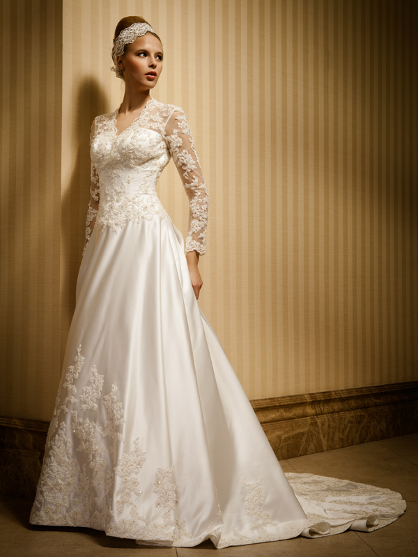 long sleeves wedding gown with V-neck
