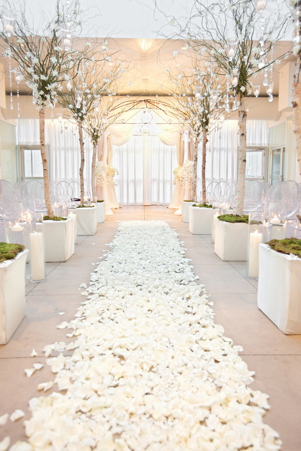 winter-white-wedding-ceremony-decoration-ideas