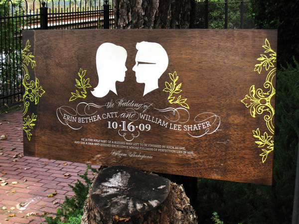 Cute and Creative Wooden Wedding Signs for Outdoor Weddings