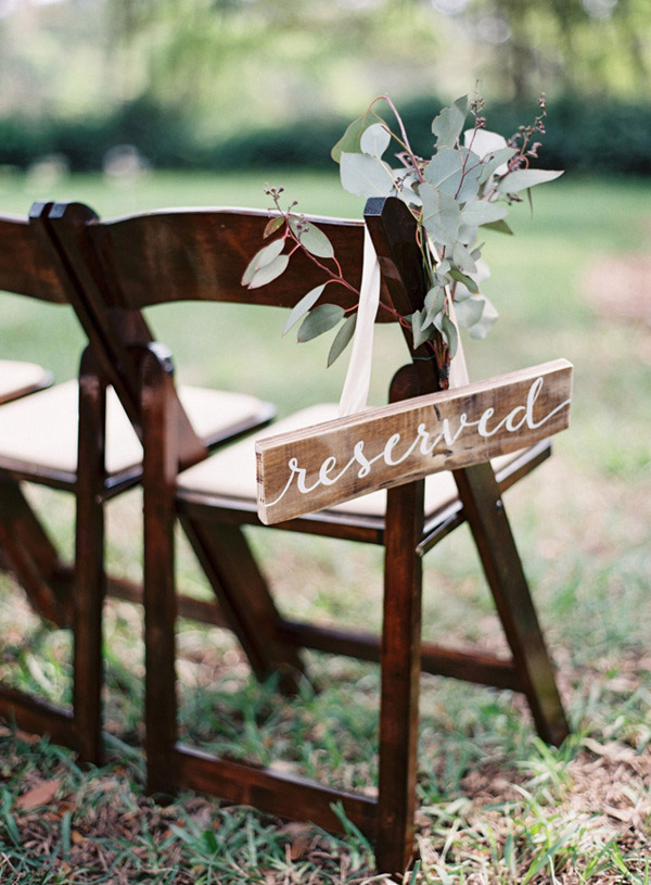 Greenery Wedding Signs Ideas for Spring and Summer Weddings