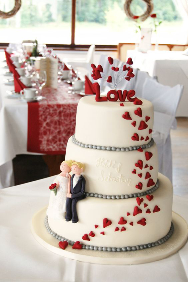 unique red and white wedding cake ideas