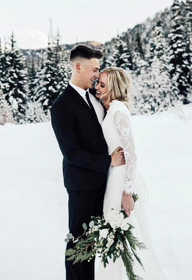 Romantic Snowy Winter Wedding Wonderland