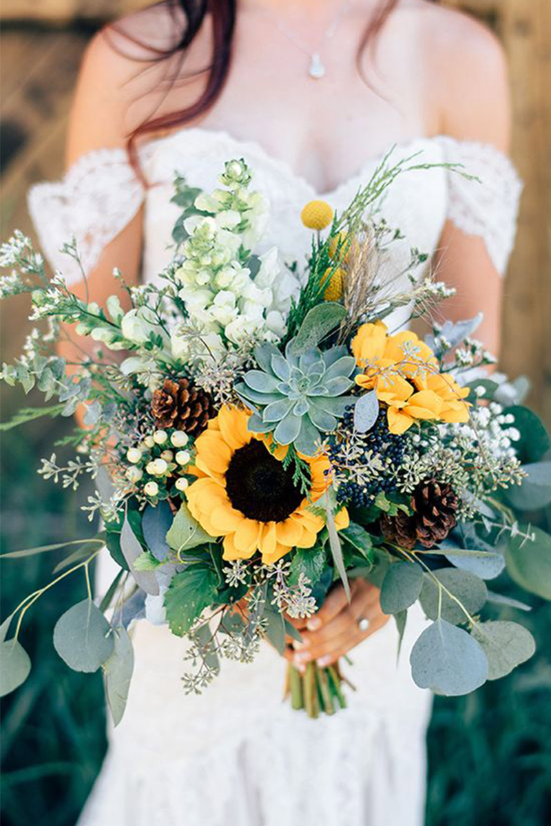 Great and unique yellow sunflower ideas for rustic wedding