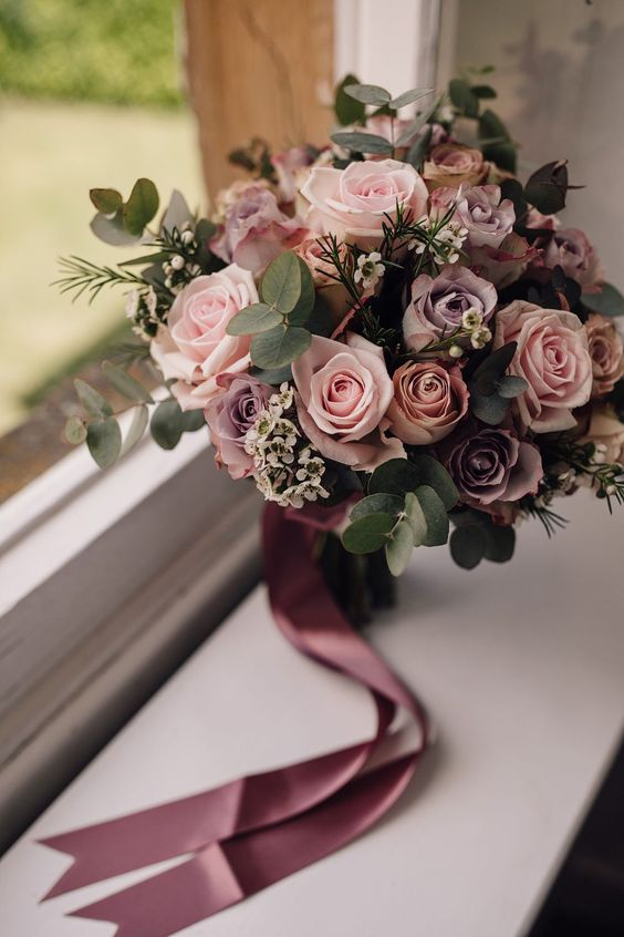 gorgeous blush and dusty rose wedding bouquet ideas