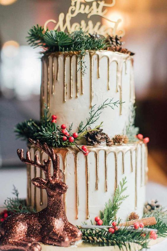 chic christmas wedding cakes ideas with gold topper